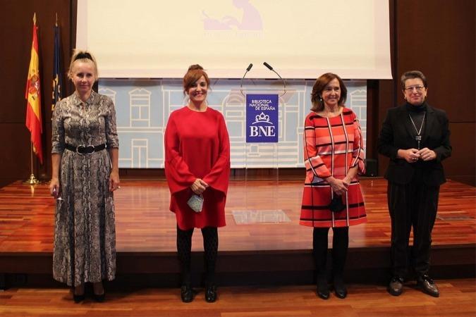 Ana Bujaldón, Elvira Lindo, Ana Santos y Laura Freixas.