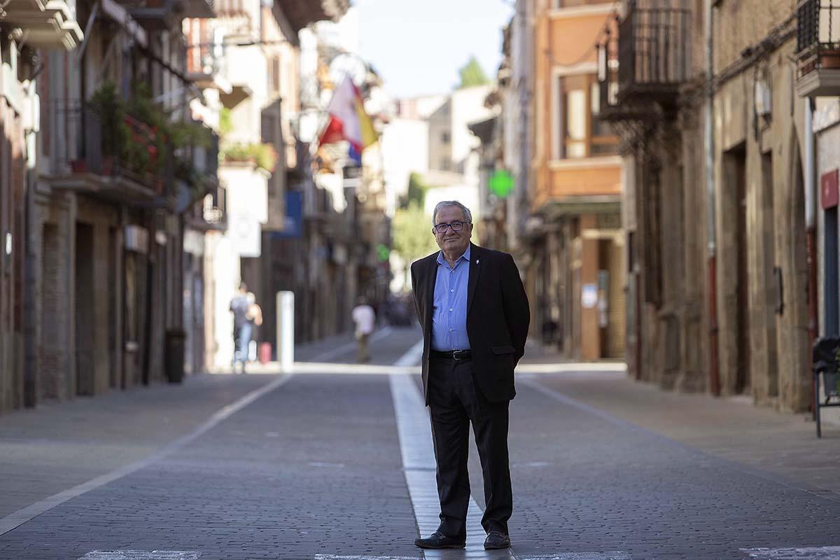 Sabalza trabajó en Caja de Ahorros de Navarra y aún ejerce como abogado.