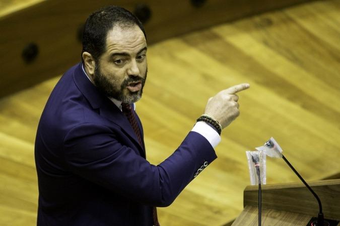 """Ramón Alzórriz desglosó que la partida final """"triplicará"""" a la aprobada por regionalistas y abertzales."""