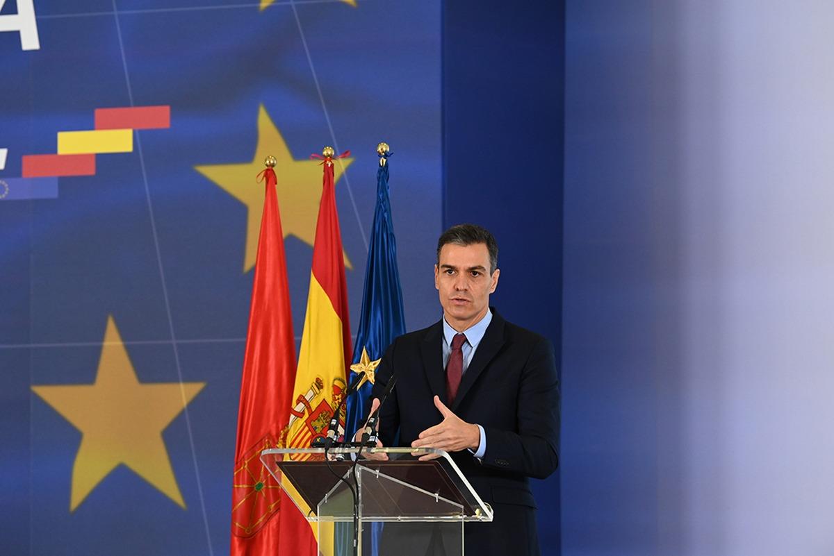 Sánchez, durante la presentación del plan 'España puede' en Baluarte.