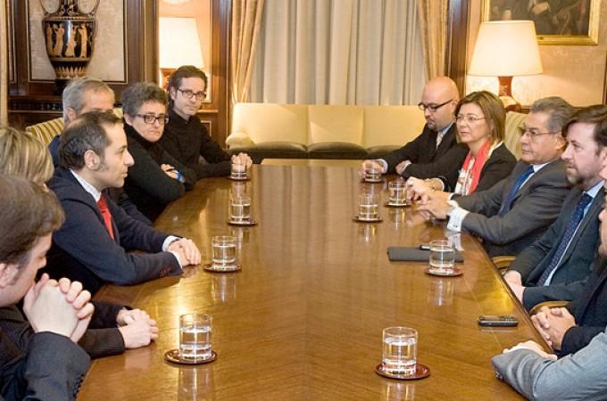 Navarra coloca 356,8 millones de euros, el 100 % de la deuda autorizada