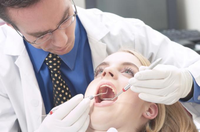 """El Colegio de Odontólogos de Navarra dice que """"siempre"""" presupuestan"""