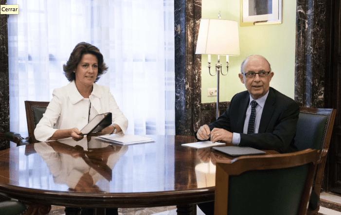 Yolanda Barcina y Cristóbal Montoro, tras la reunión mantenida