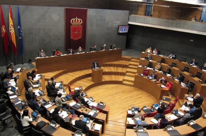 El Parlamento foral exige al Estado que no formalice el recurso sobre el IVA de VW