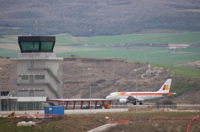 El PP busca impulsar el uso del aeropuerto de Noain