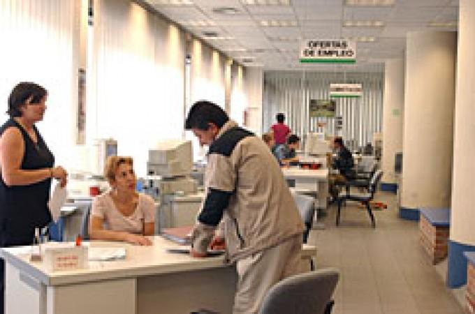 Un total de 545 personas abandonan en agosto las listas del paro en Navarra