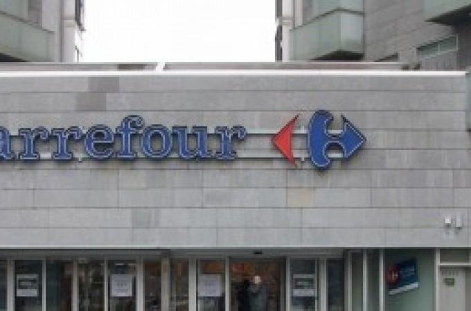 Carrefour anuncia que descontará el IVA a los jóvenes menores de 30 años