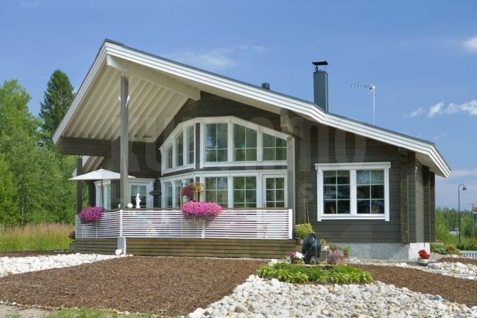 Fachada casa EcoHouse en Azoz