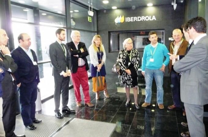 Un delegación del Parlamento de Navarra visita la sede de Iberdrola