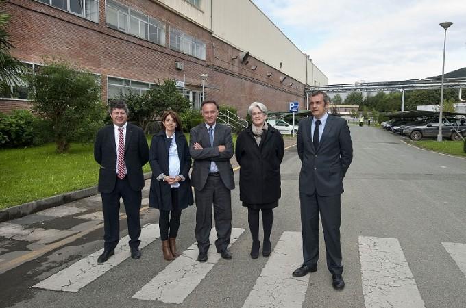 La vicepresidenta del Gobierno foral conoce en Leitza el plan de inversión de 34 millones de Sarriopapel