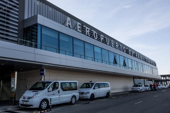 El tráfico de pasajeros crece un 4,9% en el Aeropuerto de Pamplona en enero