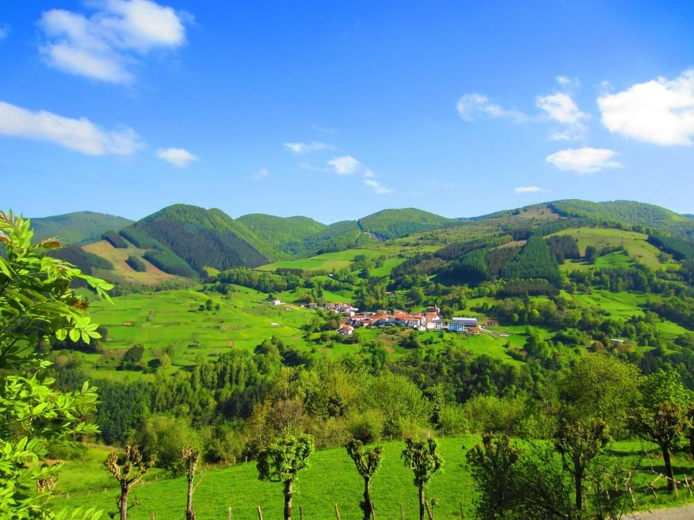 Vista de la localidad navarra de Ezcurra