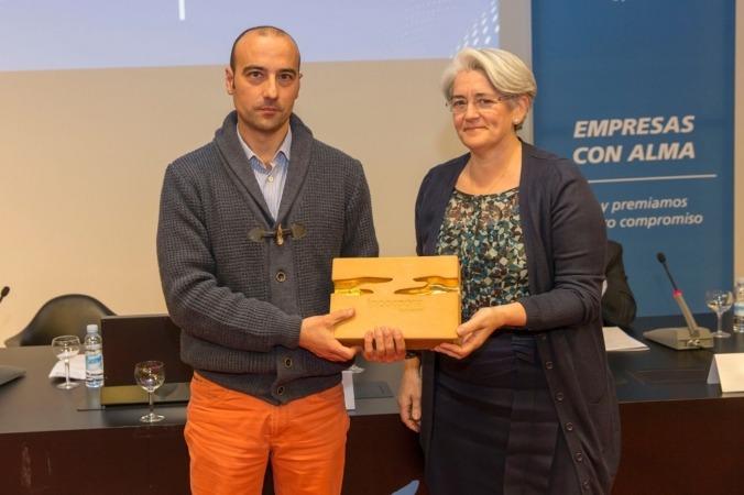Distrivisual. Eduardo Ruiz, gerente de Distrivisual, y Lourdes Goicoechea, vicepresidenta del Gobierno de Navarra.