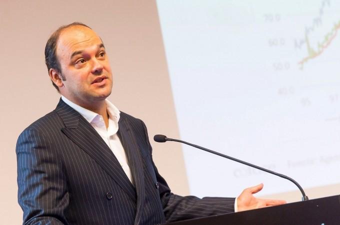 """José Carlos Díez: """"Hay que llevar a cabo un plan de saneamiento bancario en profundidad"""""""