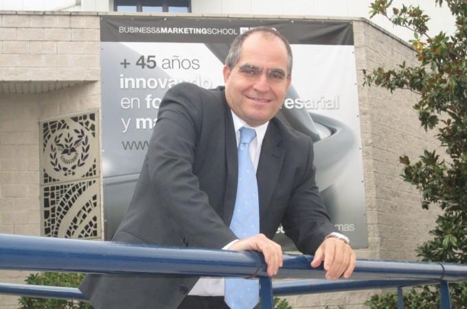 """Carlos A. Pérez Rivero: """"Las empresas que quieran sobrevivir deben acometer la autoregeneración empresarial desde dentro"""""""