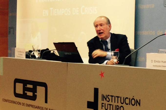 El economista Gay de Liébana afirma en Pamplona que la escasez de crédito para las empresas llegará hasta 2019
