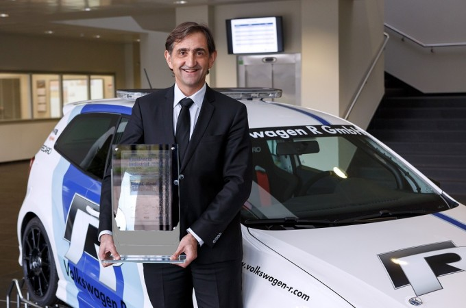 Volkswagen Navarra recibe el premio a la mejor factoría europea en 2014
