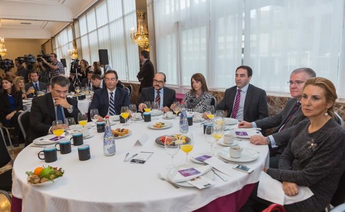 Desayunos Empresariales con Yolanda Barcina