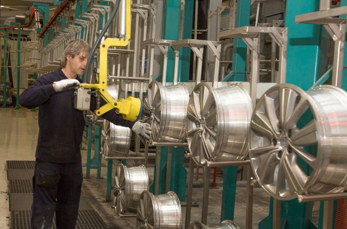 La caída del petróleo rebaja los precios industriales en Navarra un 0,9% en 2014