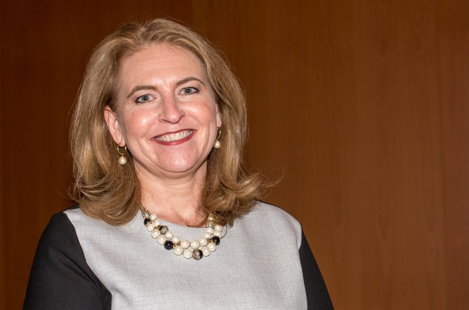 """Sarah Harmon: """"Las empresas deben ofrecer en Linkedin información relevante sobre ellas y el sector en el que operan"""""""