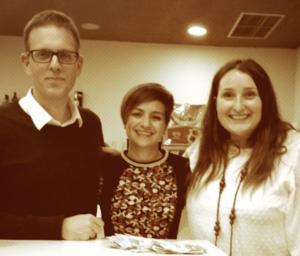 Xabier Casimiro y Ana Cortaire con la ganadora del Fools Dinner 2013.