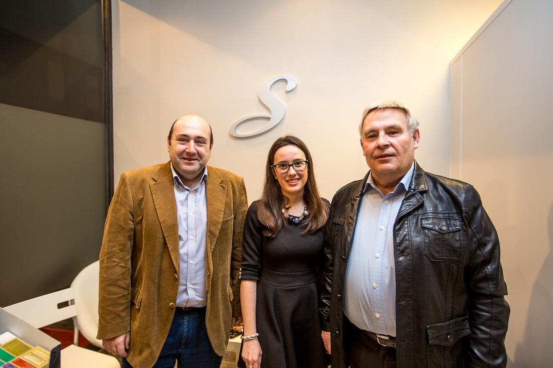 De Izquierda a Derecha: Alcalde de Burlada, Juan Carlos González Muñoz; Esperanza Simón y; concejal de Comercio y Turismo, Ventura Verdes