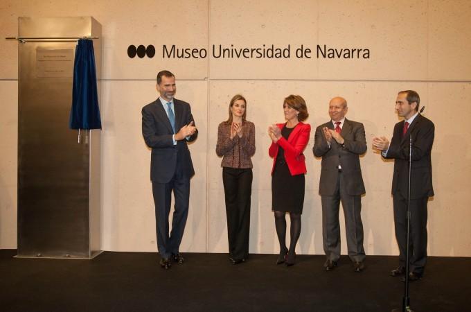 Los Reyes inauguran el Museo Universidad de Navarra