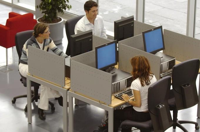 El 79% de las empresas navarras de más de 10 trabajadores tiene página web y el 27% utiliza las redes sociales