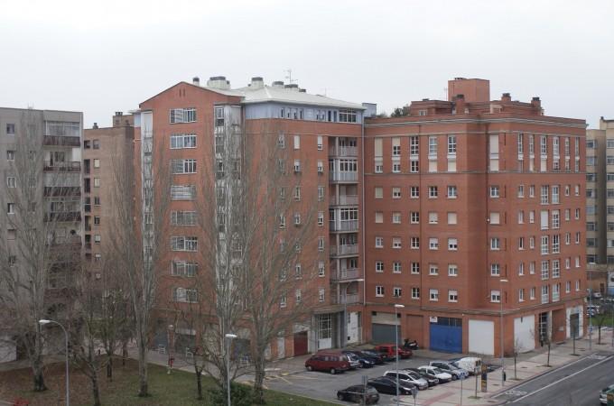 El precio de la vivienda de segunda mano cayó en Navarra un 7,30% en 2014, según Pisos.com