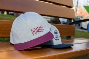 dombot-gorras-6