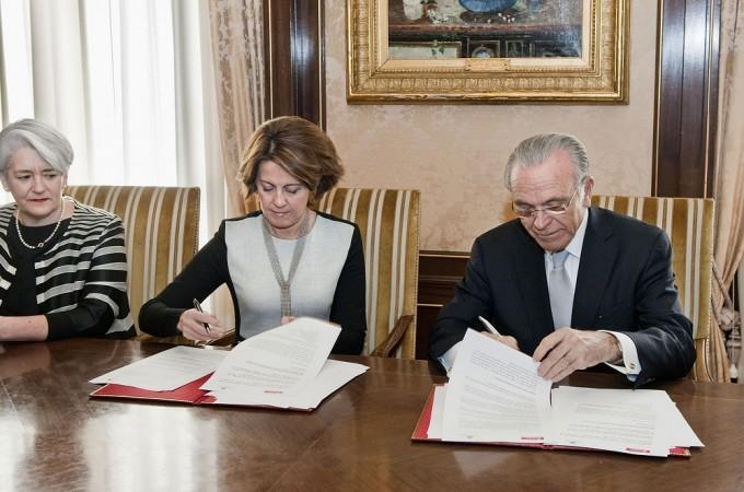 """La Fundación """"la Caixa"""" destina 13 millones para proyectos sociales y culturales en Navarra durante 2015"""