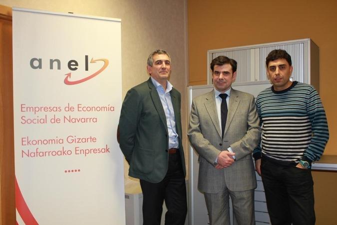"""Óscar García Valdivieso, de Ner Group, ofreció una charla sobre \""""Nuevos Estilo de Relaciones\"""", organizado por ANEL y CEN."""