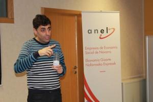 García Valdivieso durante la charla