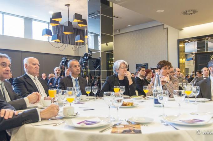 Galería de imágenes con los invitados del II Desayuno de Navarra Capital