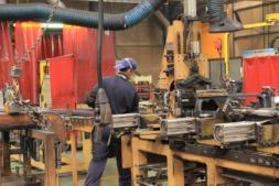 operario-fabrica-industria