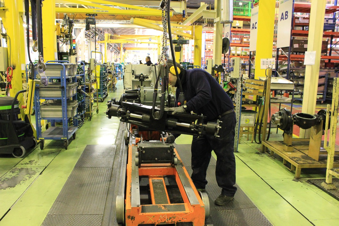 operario-fabrica-industria-6