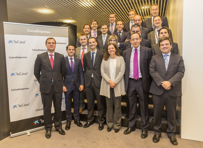 Foto de grupo de los expertos en banca internacional y comercio exterior de CaixaBank