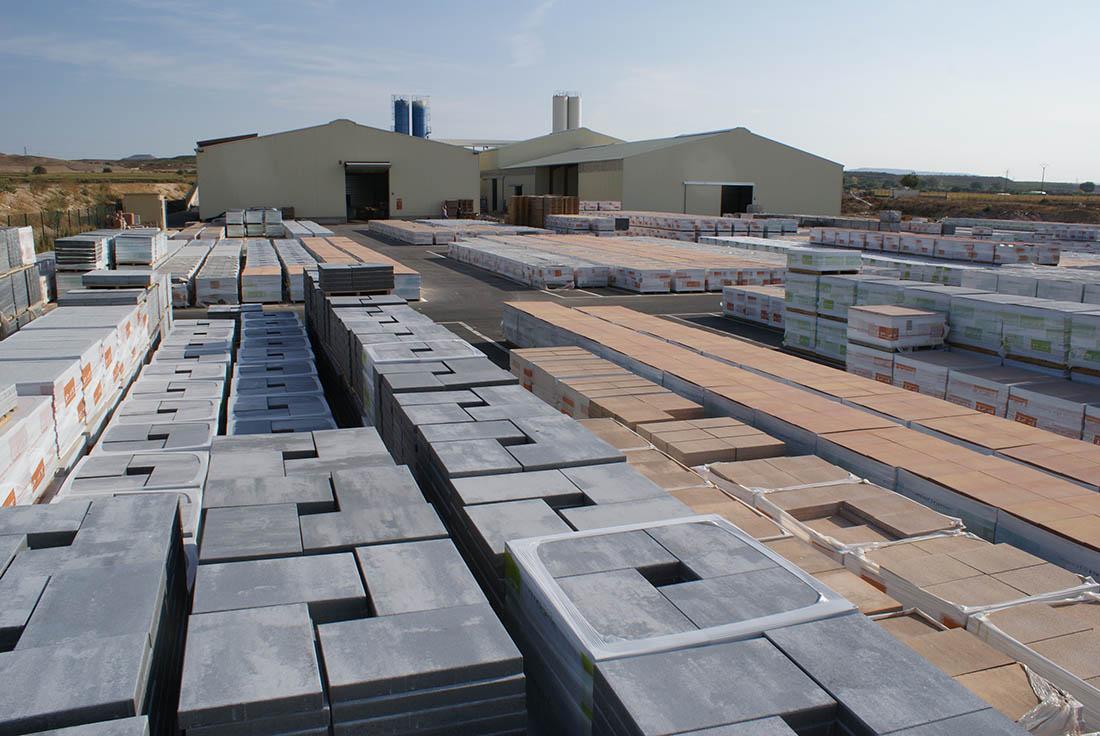 Imagen de las losas de hormigón ecoGranic que fabrica Pavimentos Tudela