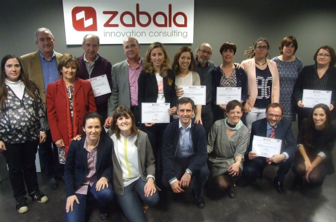 La plantilla de Zabala Innovation Consulting respalda a 8 organizaciones sociales
