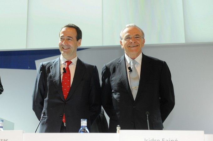 Caixabank duplica beneficios, completa la integración de Barclays y gana 375 millones de euros hasta marzo