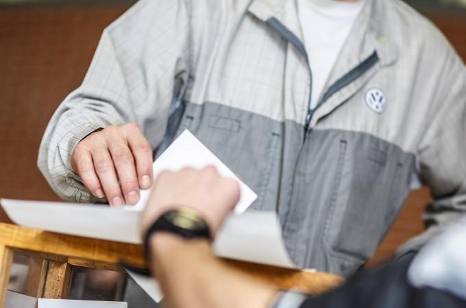UGT logra imponerse en las elecciones sindicales de VW Navarra