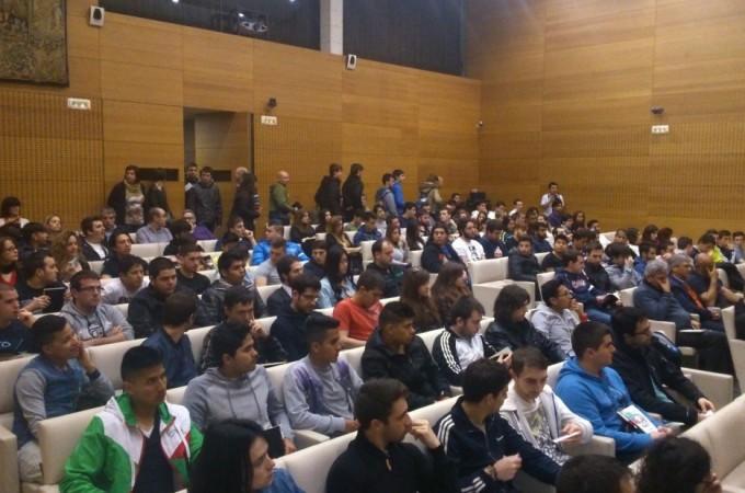 """Más de 1.300 estudiantes hacen """"brillar sus ideas"""""""