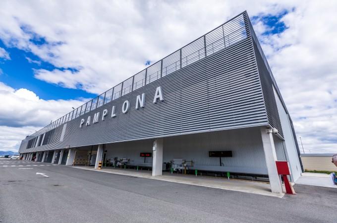 El tráfico de pasajeros crece un 18,5% en el Aeropuerto de Pamplona en agosto
