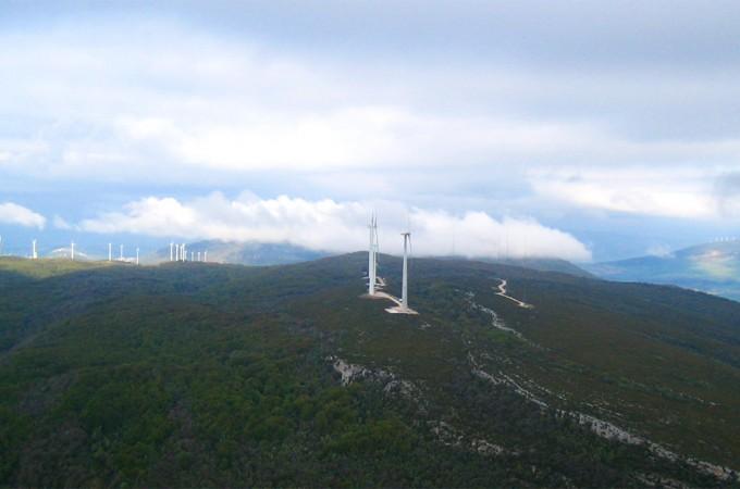 Gamesa instala en Navarra uno de los aerogenadores más potentes del mundo