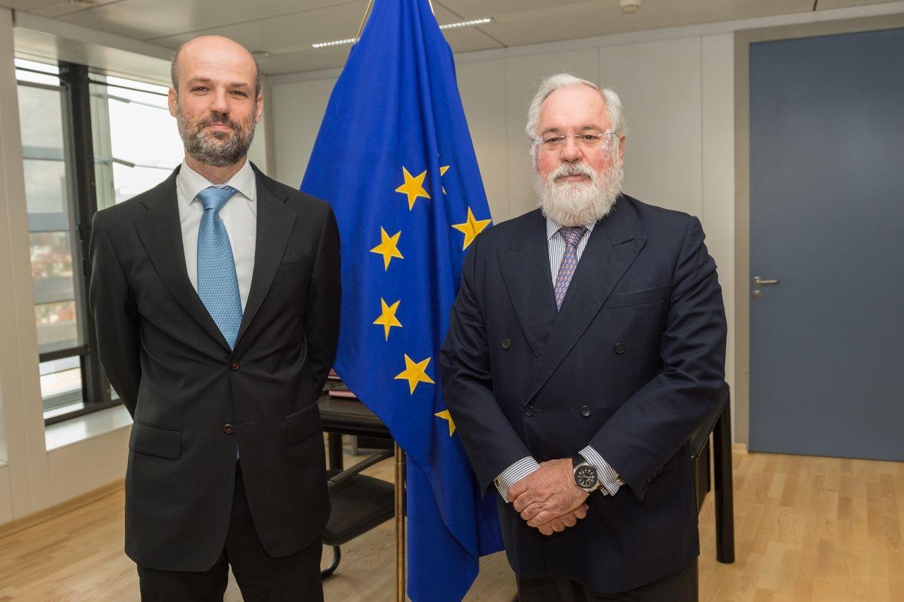 Reunión del Comisario Arias Cañete y el DG de CENER (1280x852)
