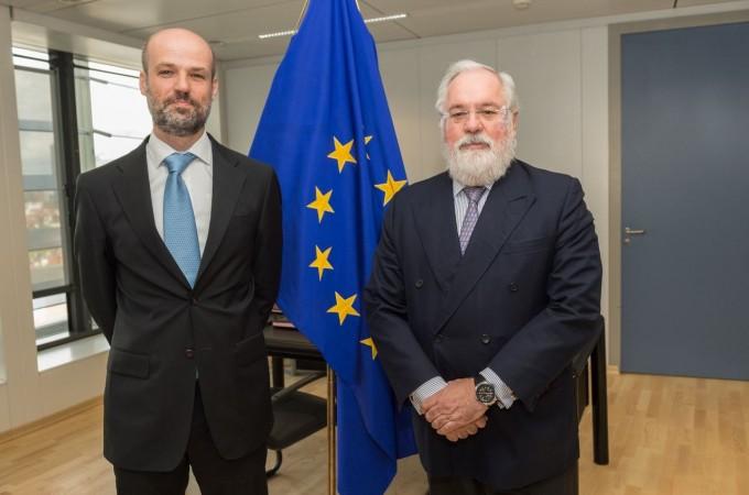 El Comisario de Energía de la UE recibe a CENER