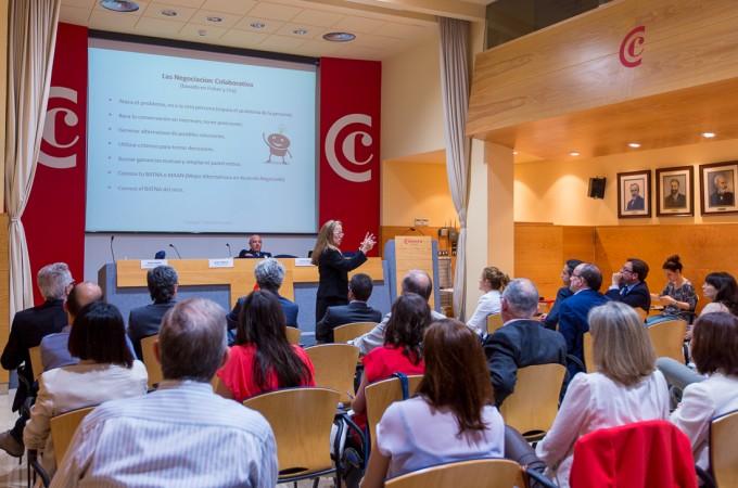La Cámara de Comercio y F. Iniciativas evaluarán el I+D+i de las empresas navarras