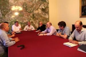 alcalde_reunion_hosteleros_ruido