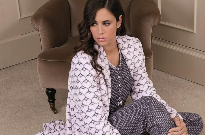 La marca de pijamas Egatex colabora contra el cáncer de mama