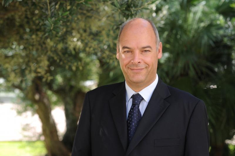 Alberto Fernandez, IESE